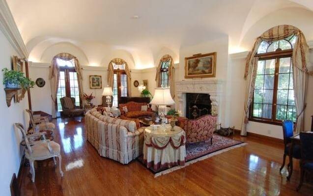 501 S Rossmore Living Room