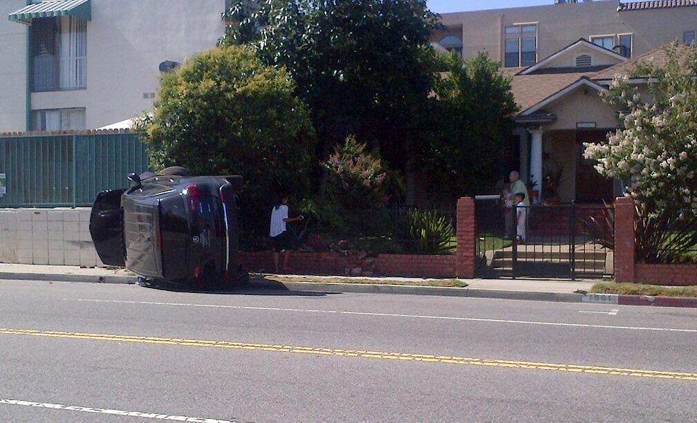 fountain avenue car crash