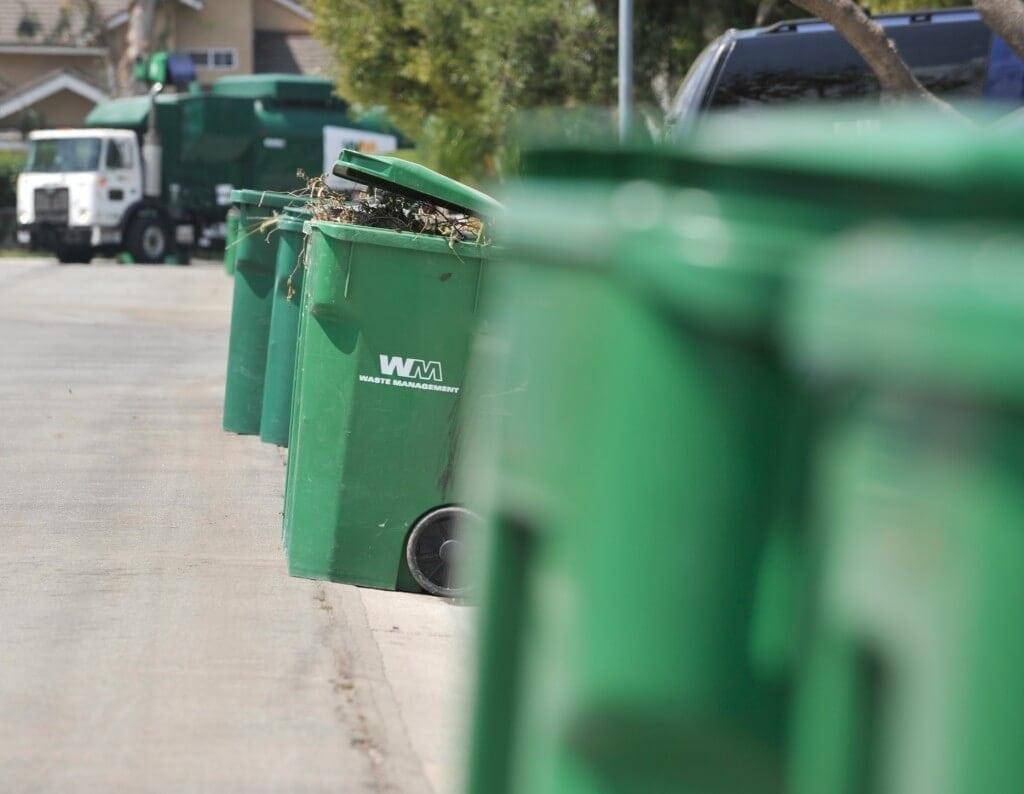 trash02.p0619rv