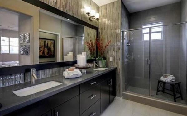 36-on-Echo-master-bedroom-bath-600x374