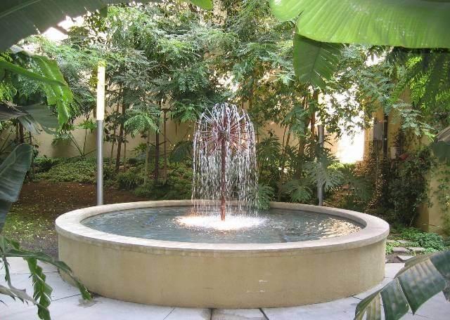 fountain 1130 S Flower St