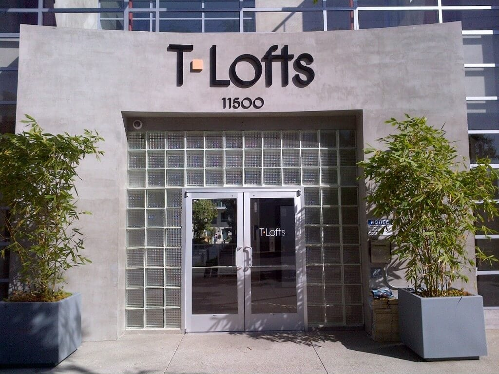 T Loft condo west Los Angeles entrance