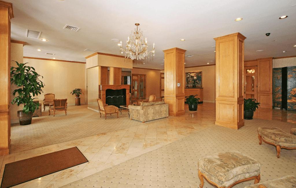 hollywood versaille lobby