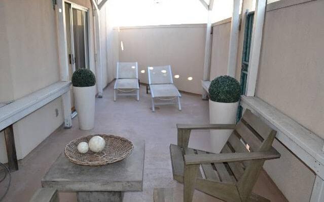 1351 N Curson rooftop patio