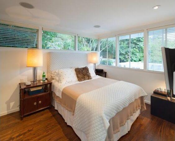 1650 N Queens Bedroom 1