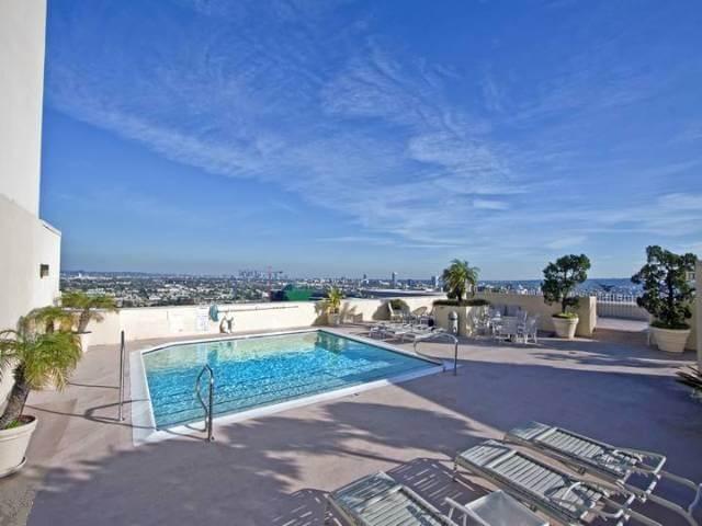 838 N Doheny Dr rooftop pool