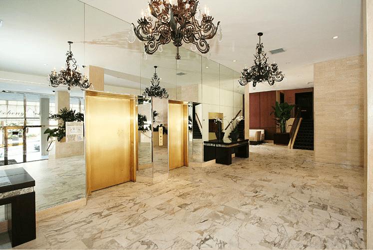 999 N Doheny Dr elevators