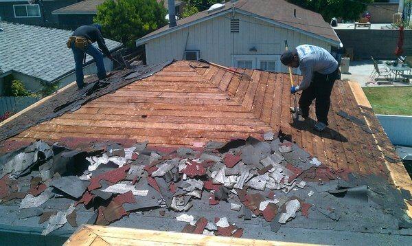los angeles shingle roof tear off