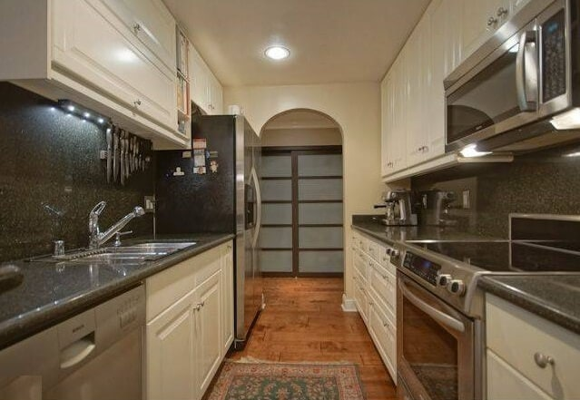 8535 West Knoll Galley Kitchen