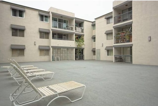 West Knoll Drive Courtyard