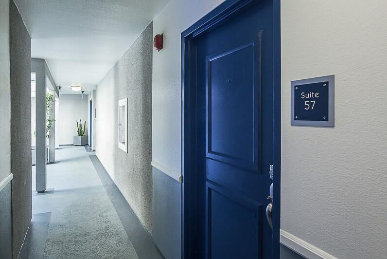 1940 Highland Ave Hallway