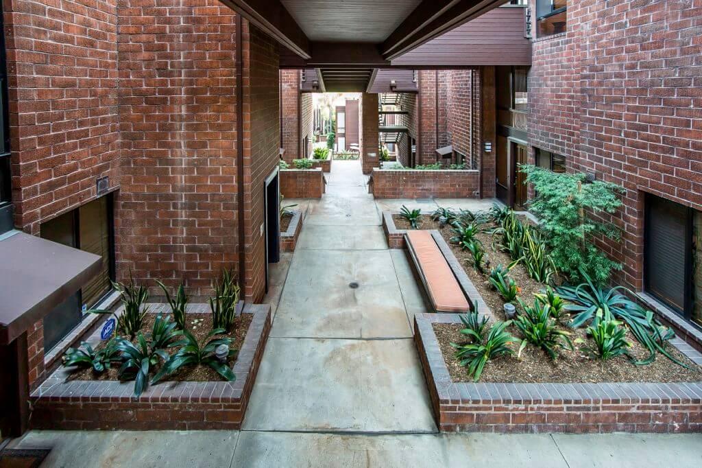 open-air-hallway-carolwood