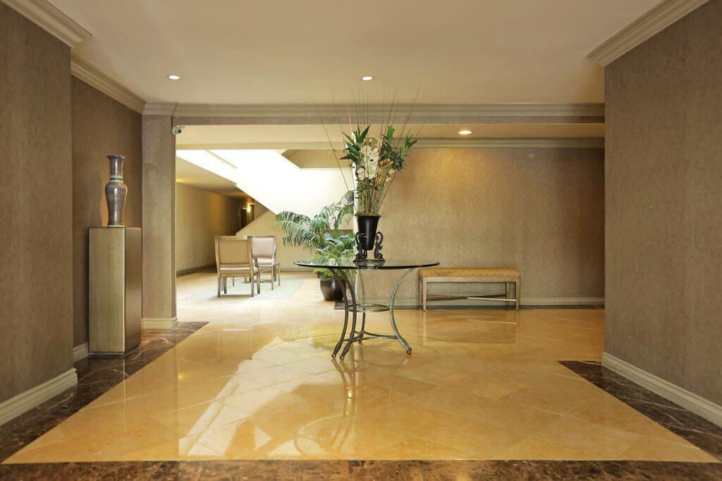 1134-alta-loma-rd-lobby