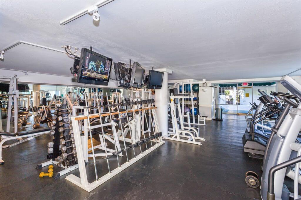 full-fitness-center