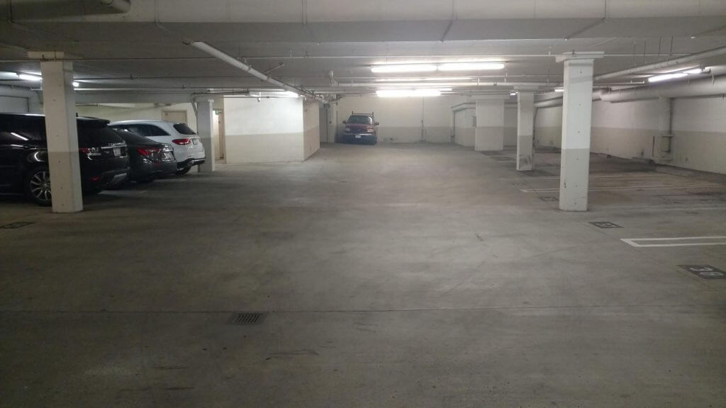 condo for sale in beverly hills parking
