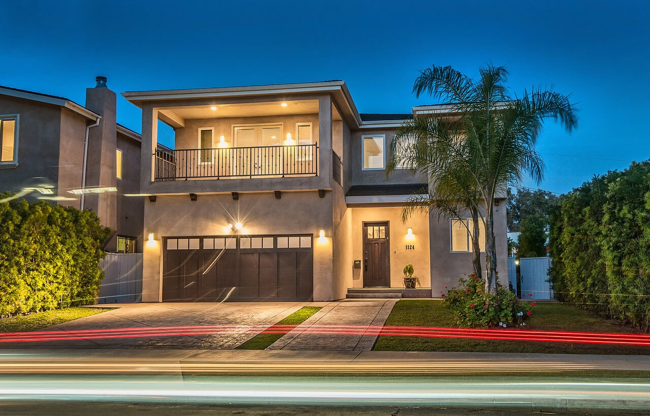 How to find the best los angeles real estate photographers for Buy home in los angeles